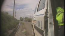 VIDEO. Infractorii de la Rutieră. Mită luată de la un preot prins băut la volan. Donație la biserică din șpaga popii